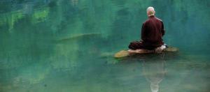 Monje zen meditando