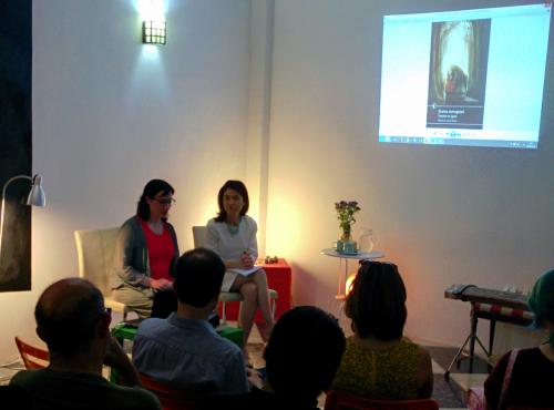 """""""Nosotros, Chidori Books, somos una joven editorial valenciana. Nuestra especialidad es la literatura de Japón. Nacimos para la publicación digital, pero hemos dado el salto al papel."""""""