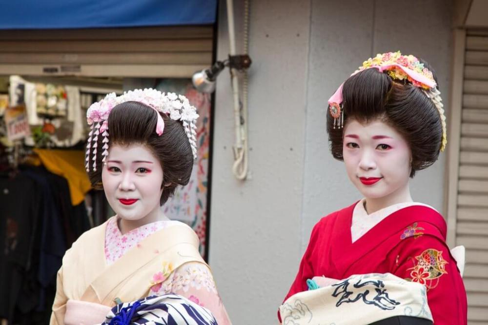 0Kagurazaka-Shinjuku-at-Night-Kagurazaka-Geisha-1024x682